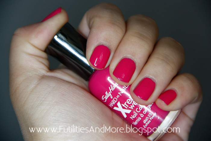 cSally Hansen Fuchsia Power, nail polish, asian beauty, korean, makeup asian blog, makeup blog, futilitiesandmore.blogspot.com, futilities and more, futilitiesandmore, makeup review, make up, makeup, cosmetics, maquillage