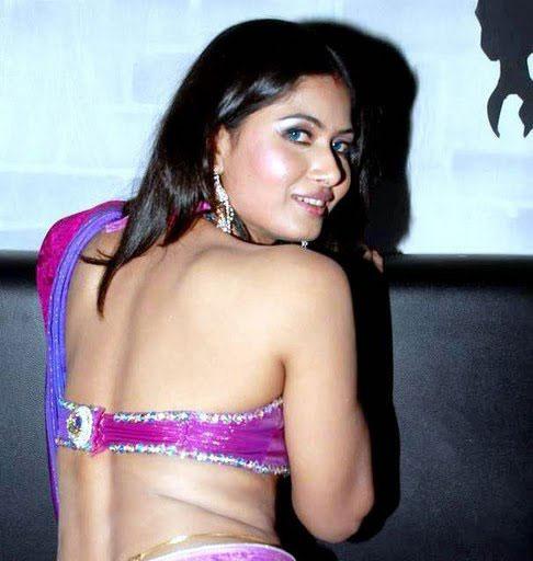 divya dwivedi naval actress pics