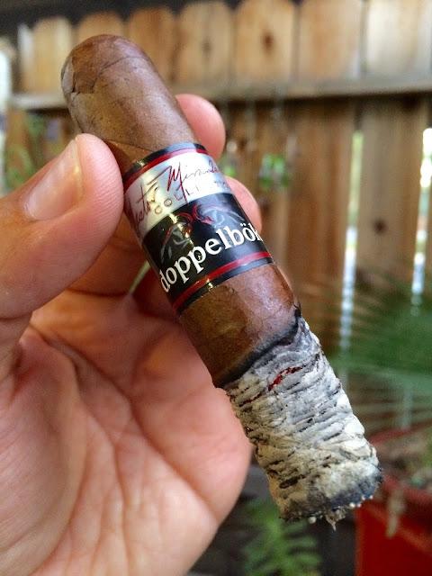 Nestor Miranda Doppelbok cigar 3