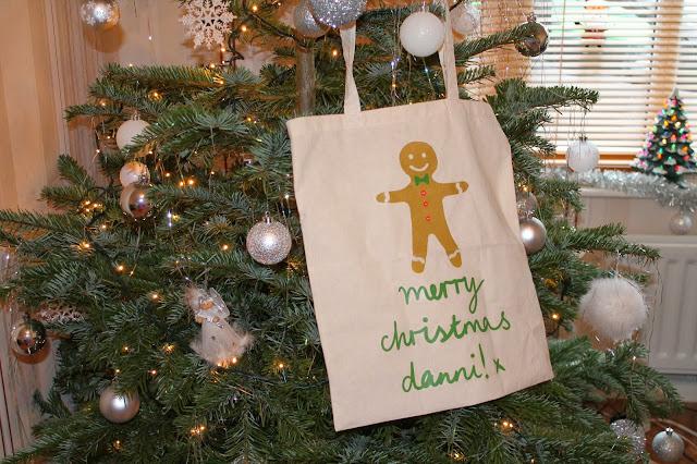 Gingerbread Man Presents Tote Bag