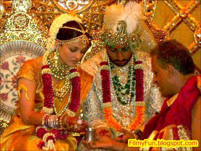 Abhishek Bachchan Aishwarya Rai Bollywood Famous Wedding_FilmyFun.blogspot.com
