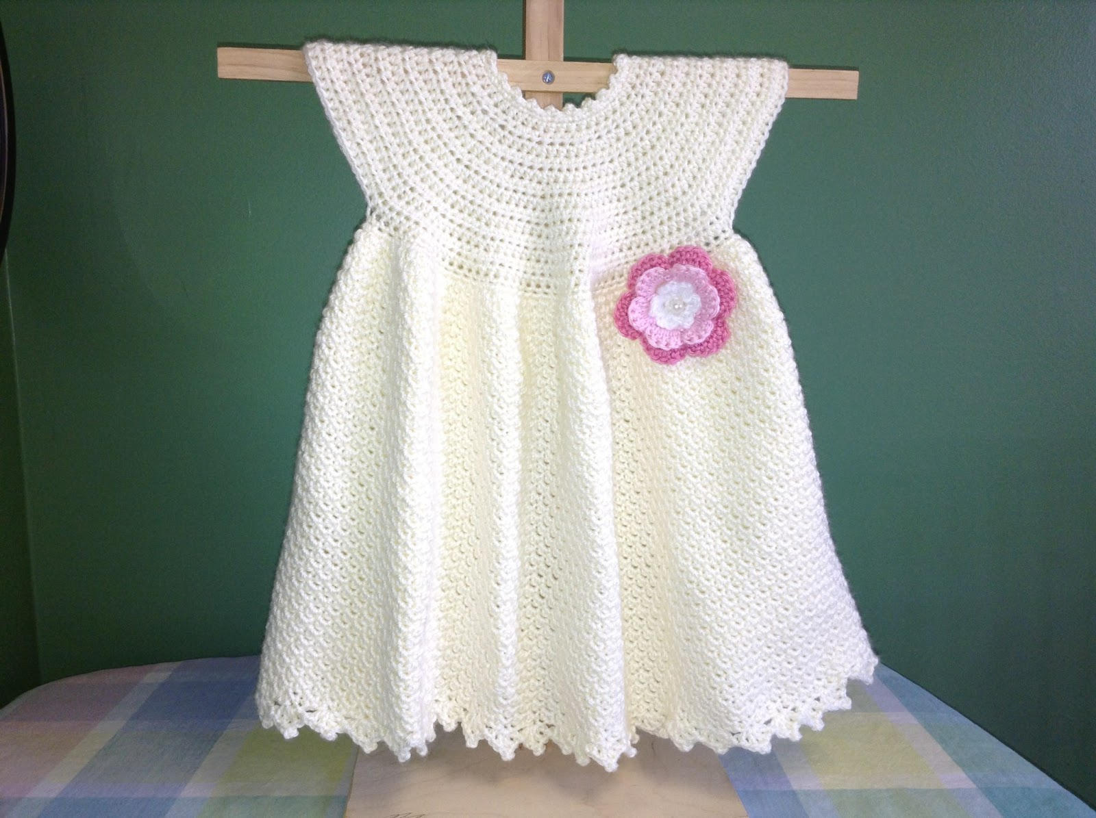 How To Crochet Baby Dress Pattern : Annas Free Baby Crochet Dress Patterns - Inspiration and ...
