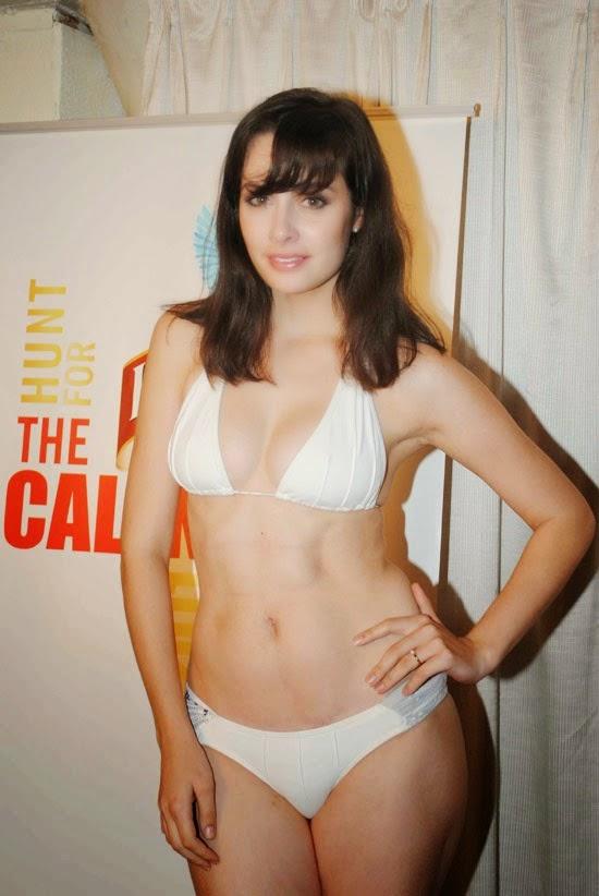 Bikini babes on Kingfisher Calendar 2012