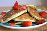 http://foodiefelisha.blogspot.com/2013/09/low-carb-greek-yogurt-pancakes.html