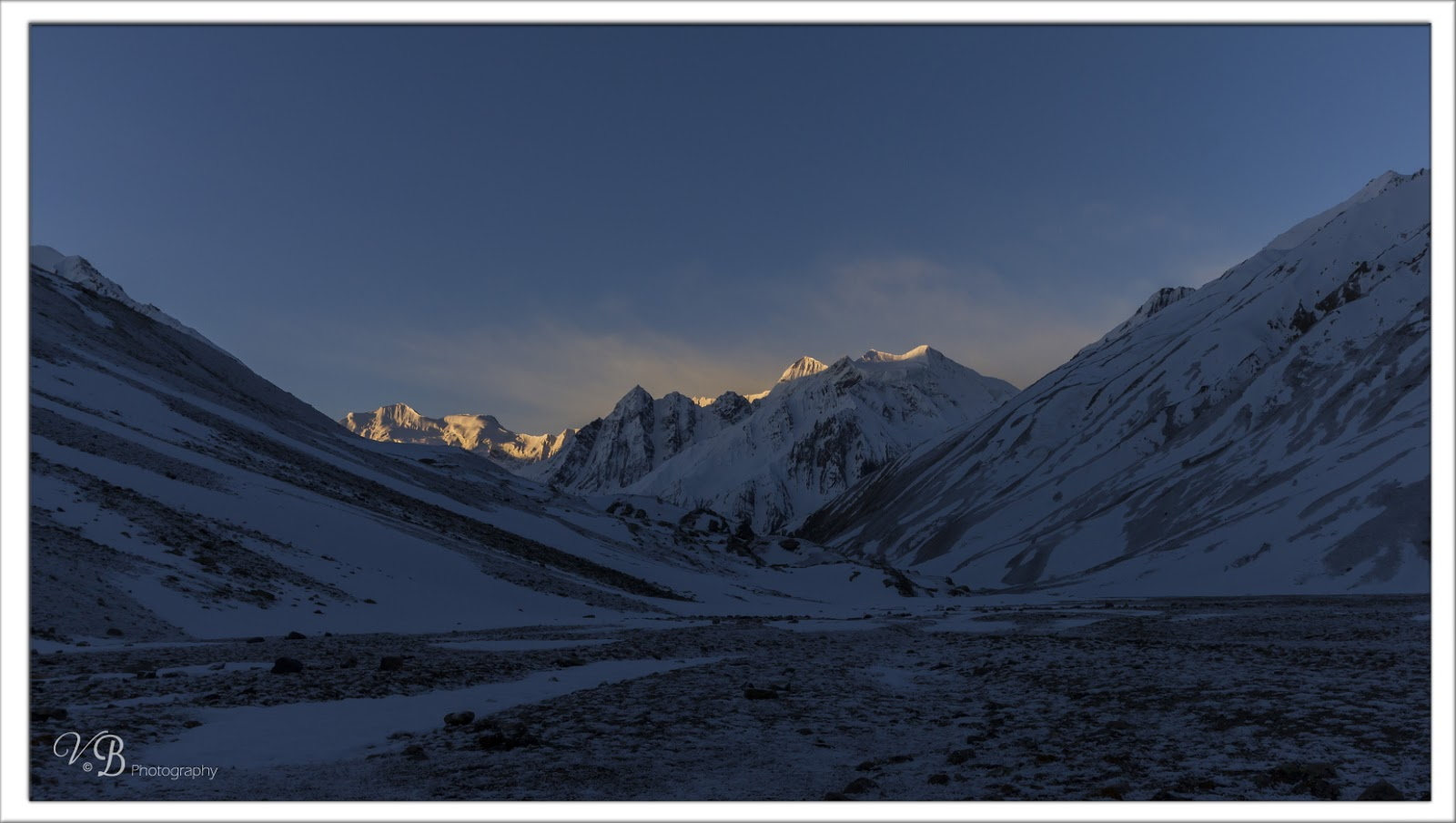 Morning views at Nithal Thach , Lamkhaga pass trek