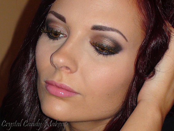 Face of the day : Holodiam - Make-Up For Ever (Poudre #303 et faux-cils Holodiam, Aqua Cream #15, Aqua Eyes #0L, Fards Black Tied et Brule MAC, Blush Legendary MAC, Mary-Lou-Manizer theBalm, Fig lipstick Bite Beauty)