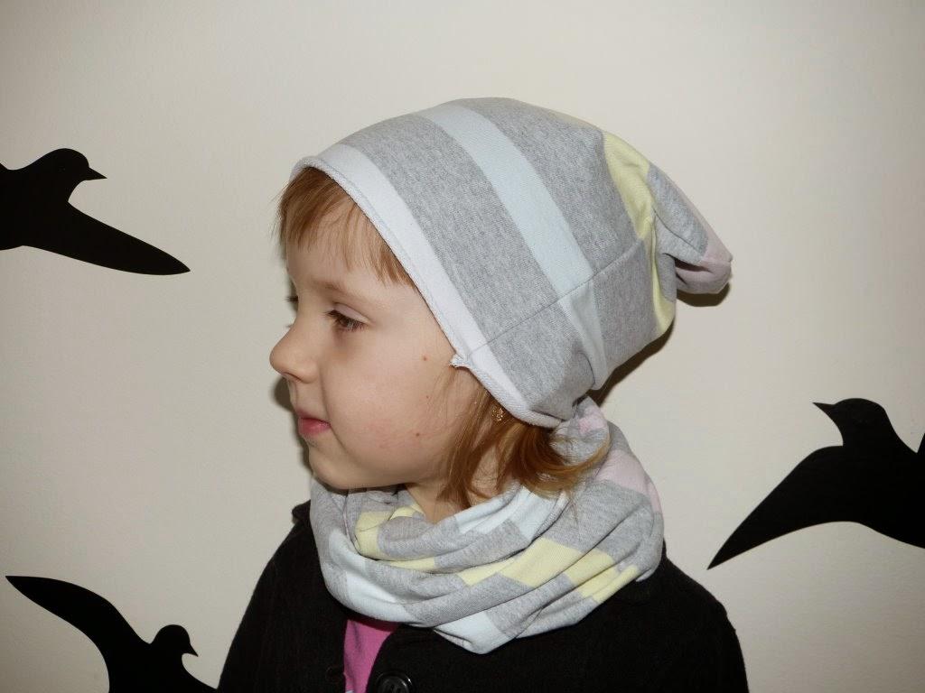 czapka smerfetka, czapka z bluzy, czapka z dresówki, zamotka z dzianiny dresowej