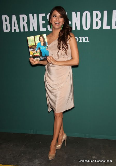 Eva Longoria - Barnes & Nobles in Los Angeles-8