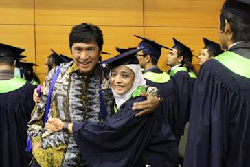 Wisuda Chikita Fawzi, B.Sc dari MMU Malaysia (2011)