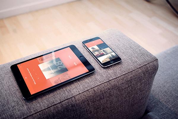 Smartphone & Tablet Mockup PSD Terbaru Gratis - iPad + iPhone Photorealistic PSD Mockup
