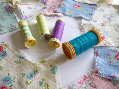 Scrappy Spring Bunting Tutorial by fabricandflowers | Sonia Spence