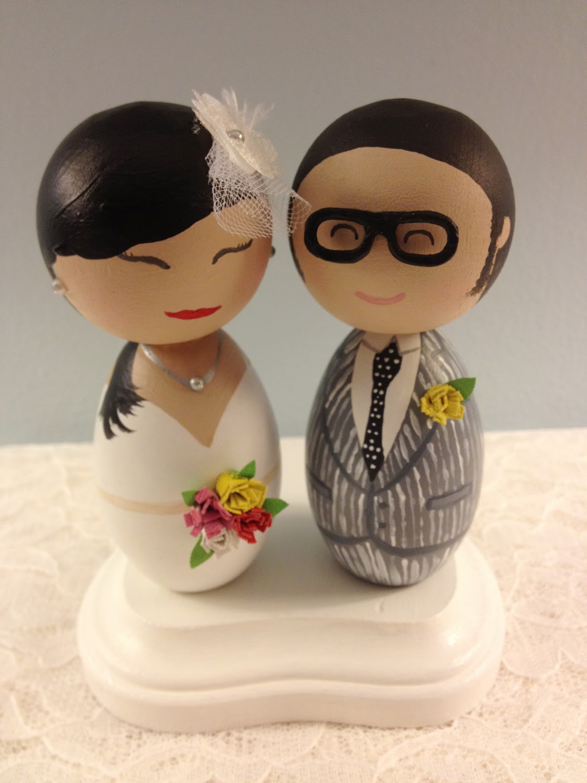DSMeeBee Hipster Bride and Groom Wedding Cake Toppers