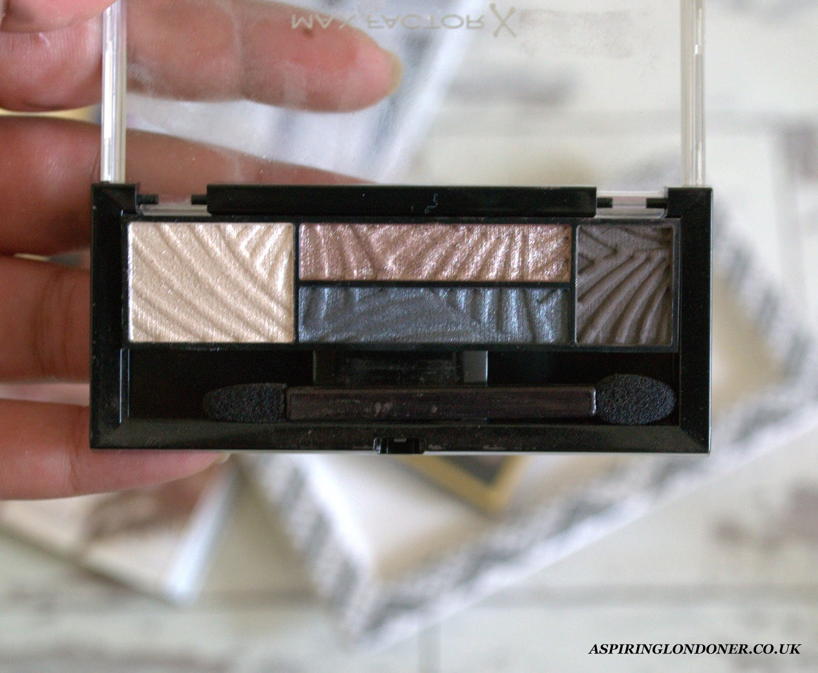 Max Factor Smokey Eye Drama Kits Lavish Onyx Review - Aspiring Londoner