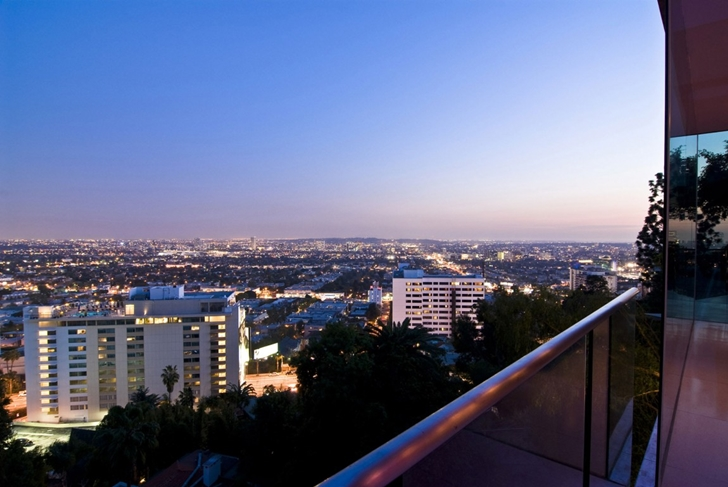 City lights from Hollywood Mansion by Whipple Russell Architects