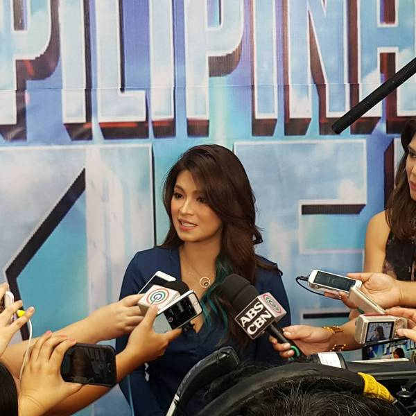 Angel Locsin shows up at the red carpet; Crowd starts screaming Darna