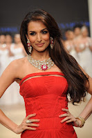 hot, sexy, Malaika, Arora, Khan, fashion, show, sleeveless, solder-less,red gown