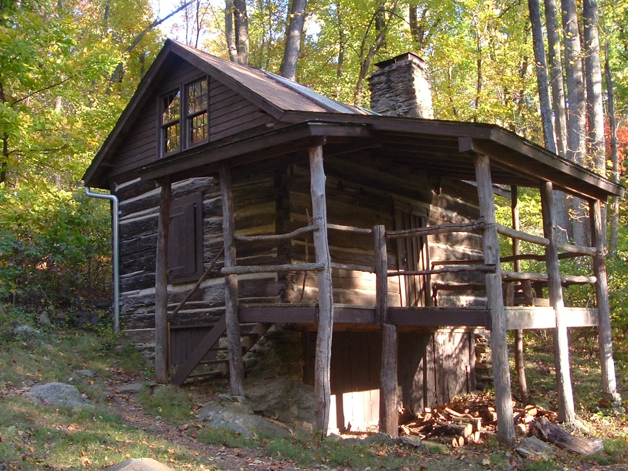 Coolest cabins moonshine cabin north carolina for Appalachian mountain cabins