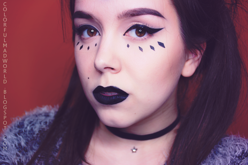 zoeva baza matująca, ardell demi whispies, makijaż graficzny, makijaż sailor moon, grunge girl, tumblr girl, makijaż wieczorowy, kolorowe smoky eye, makijaż krok po kroku, makijaż dla brązowych oczu, makijaż dla niebieskich oczu, Lime Crime Eyeshadow Helper, cień Pierre Rene no 113 Last Call, czarna woododporna  kredka do oczu Pierre Rene, Catrice Please Gold The Line Intensif' Eye Wet & Dry Shadow,  L'oreal Volume Million Lashes So Couture, Ardell Demi Wispies, Lime Crime Black Velvet, Anastasia Beverly Hills Dip Brow Pomade, Anastasia Beverly Hills Countur Kit