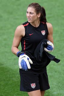 sexy-beautiful-goalkeeper-soccer