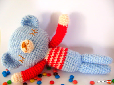 gift presents for kids: free amigurumi mr. teddy sleepy bear crochet pattern