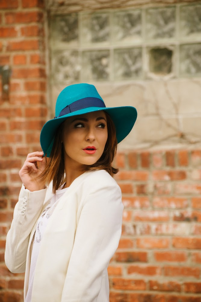 floppy hat | In good faith, Tess