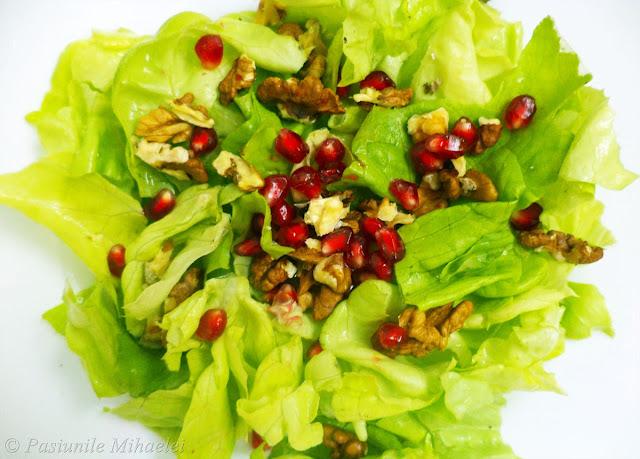 Salata verde, rodie, nuci