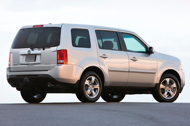 2015 New Honda Pilot for car used back view
