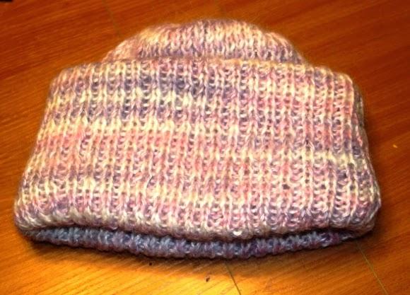 мохеровая зимняя шапочка с отворотом