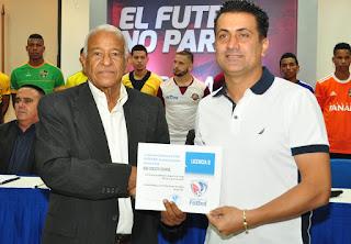 Entregan licencia a clubes de la Serie B