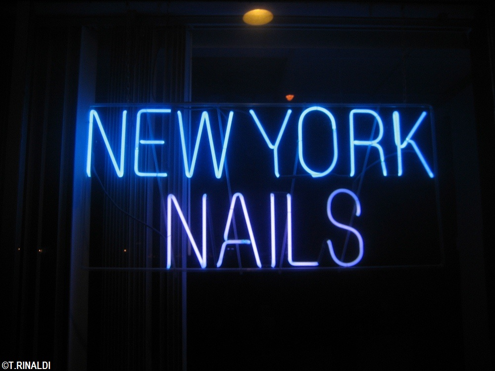 New York Neon: Nail Salon Neon