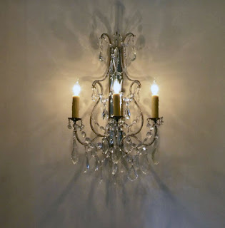 Crystal Sconce, image via Luxe Living Interiors, edited by lb for linenandlavender.net