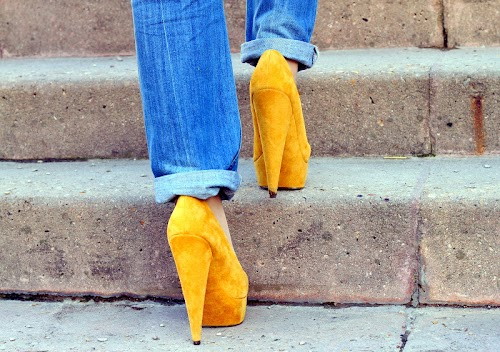 Yellow and boyfriend jeans♥