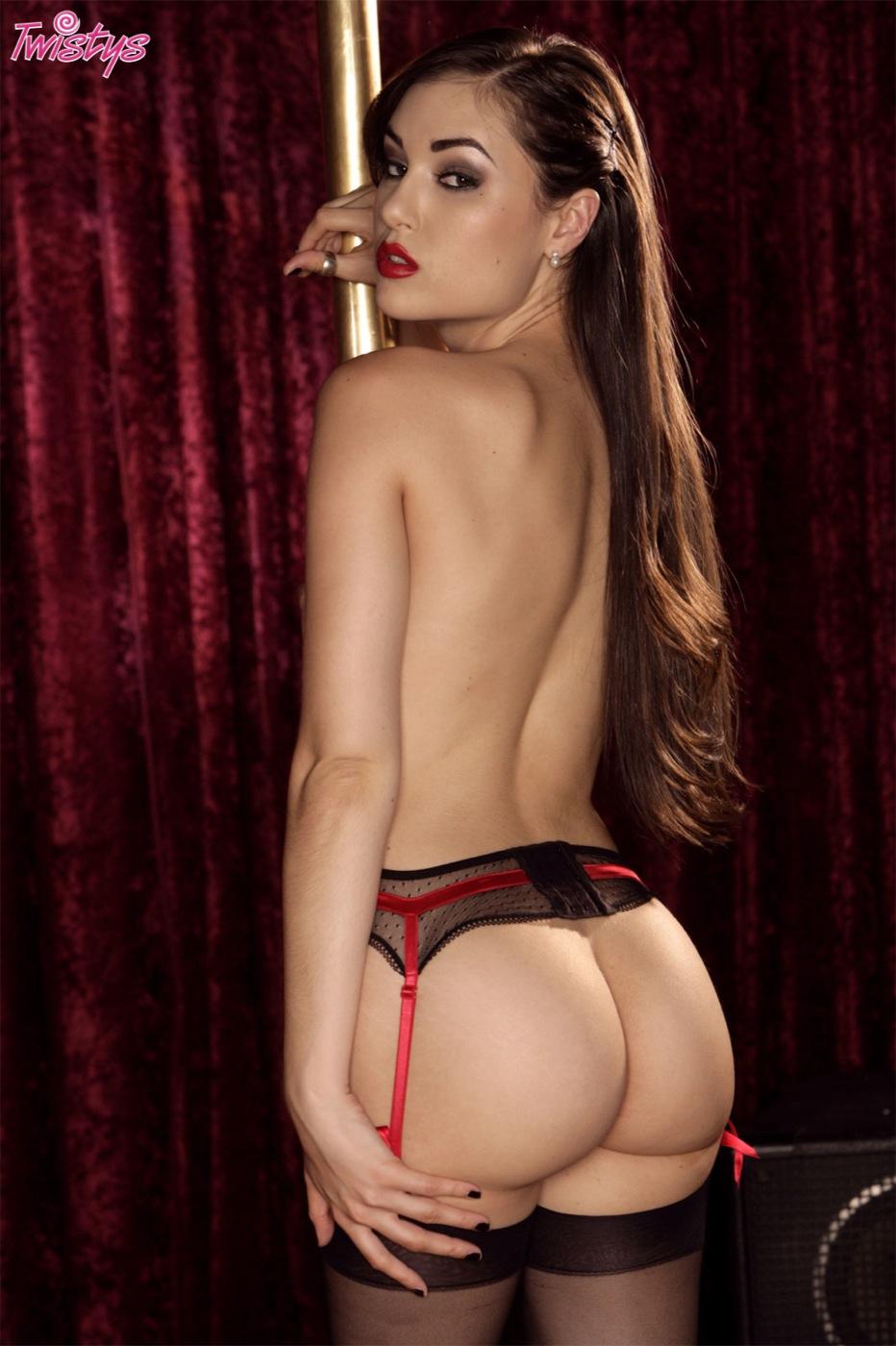 http://1.bp.blogspot.com/-_2VuKBcVnrM/UOvwbeHz79I/AAAAAAAAADQ/DgLhZkGcqtI/s1600/0012-sasha_grey_00394_12.jpg