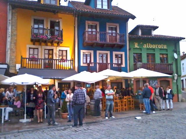 calle san antonio pola siero sidra bares fiesta