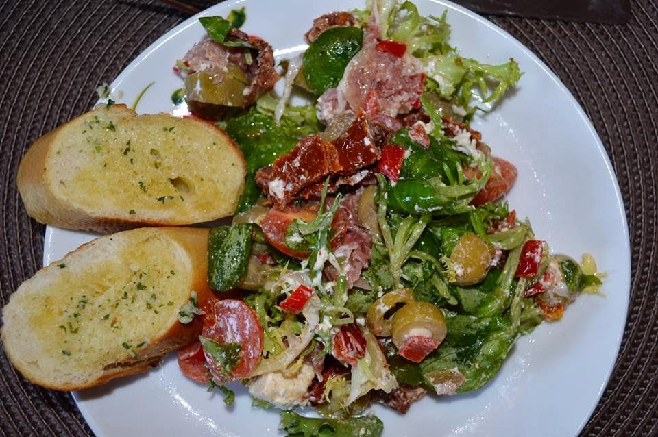 Sałatka z suszonymi pomidorami