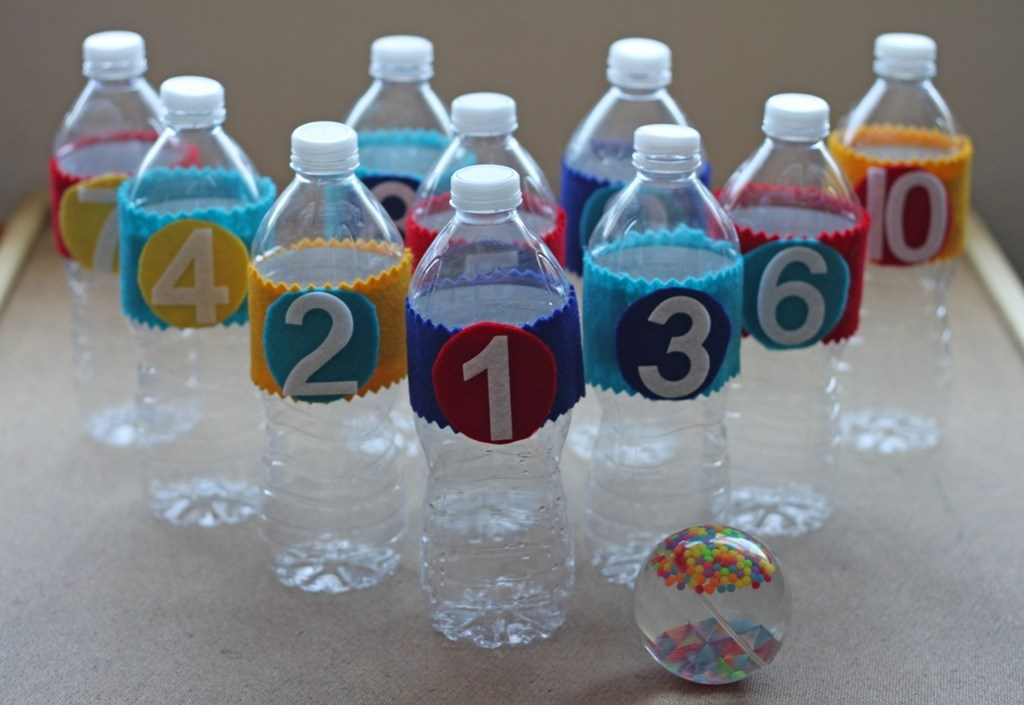 Mandeeblogs day 2 recycled crafts for kids for Water bottle recycling ideas