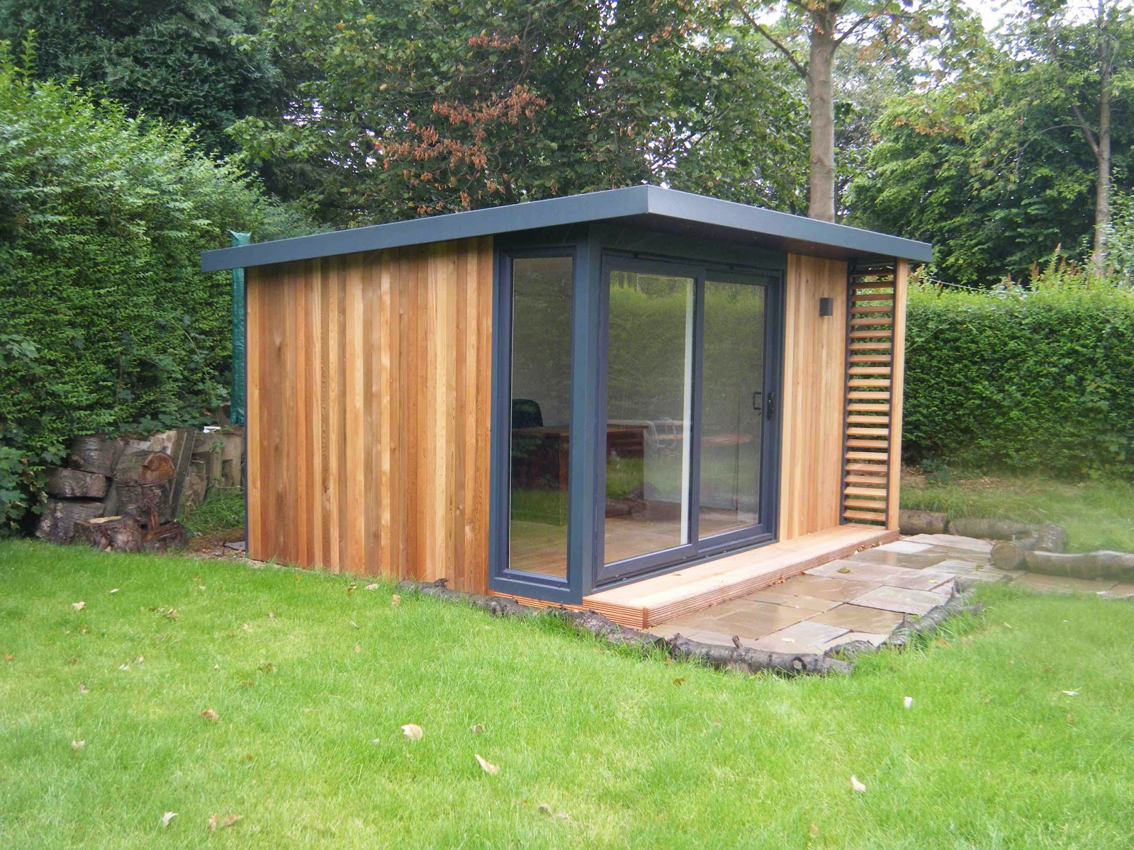 Shedworking the garden office on channel 4 for Cheap garden office buildings
