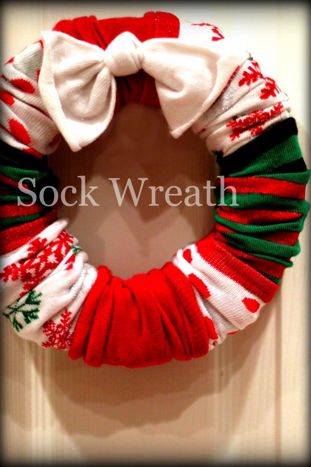 детска - От плат,конци и прежда - Page 3 Sock+Wreath+2