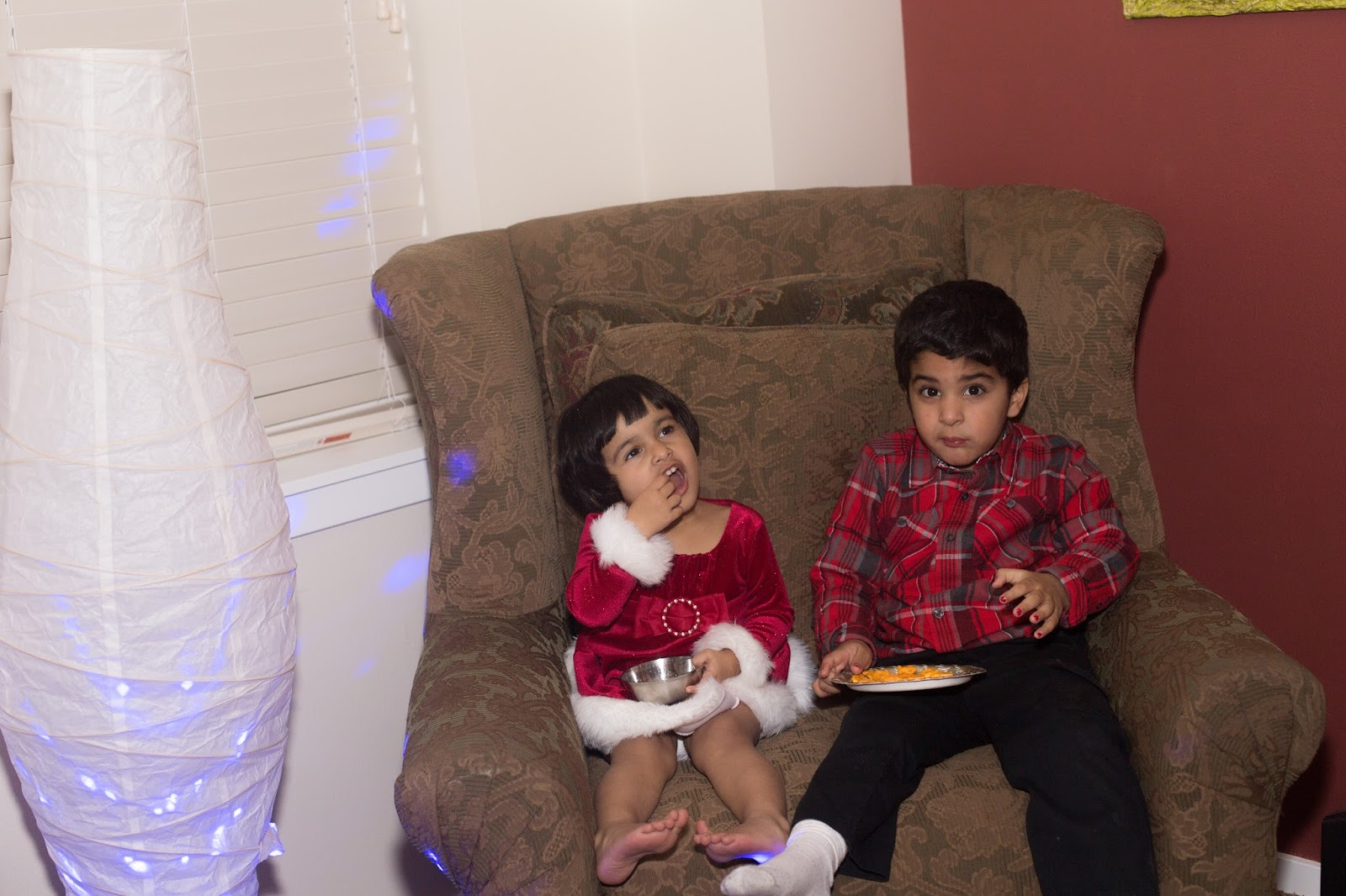 christmas party 2015, house parties, seattle parties, ananya in a party, kids in christmas attire