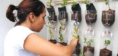 Giocabosco creare con gnomi e fate riciclare bottiglie for Vasi da ringhiera