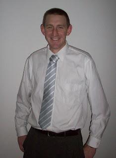 E in Silver Stripe Tie