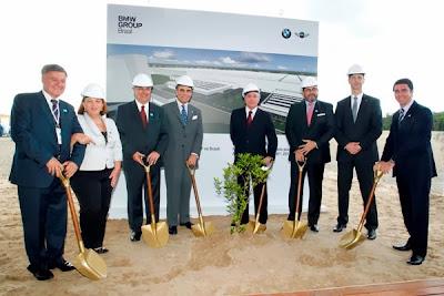 BMW Group начинает строительство завода в Бразилии.