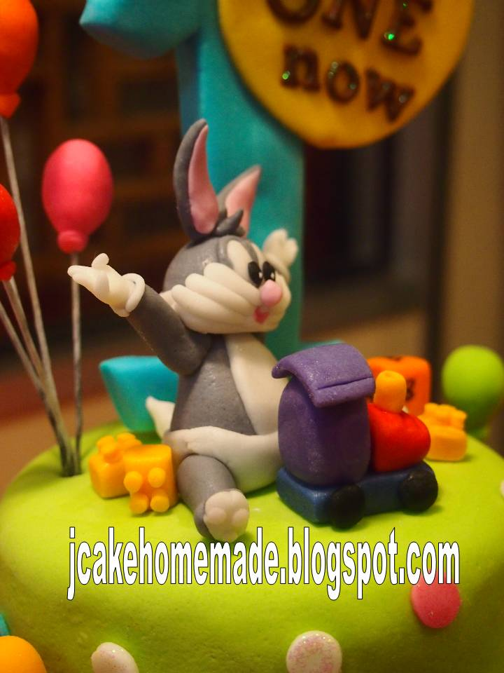 Jcakehomemade baby looney tunes birthday cake for Baby looney tune decoration