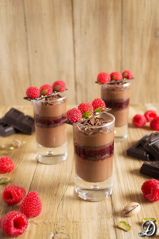 Vasitos de Mousse de Chocolate con Frambuesas