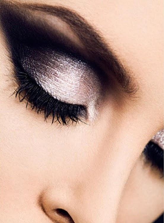 Assez Maquillage yeux 2015, Couleur maquillage fard a paupieres noir et  DE89