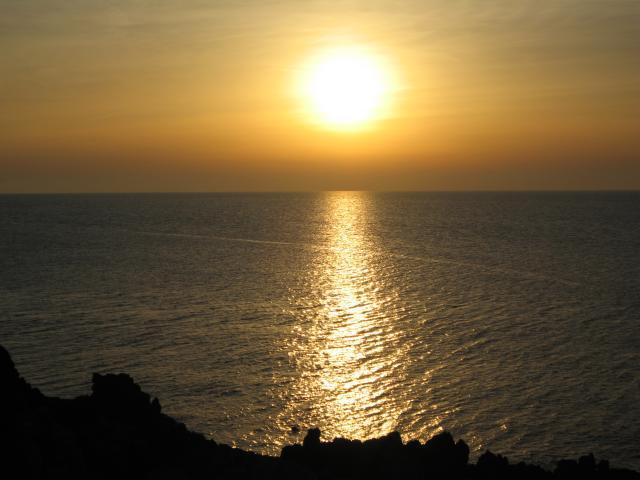 Cefalu_tramonto_del_Sole_17_maggio_06.jpg