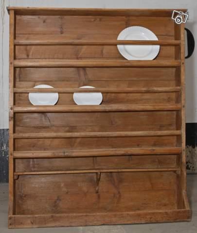Bricoles et girandoles que faire avec un ancien porte for Meuble porte assiette
