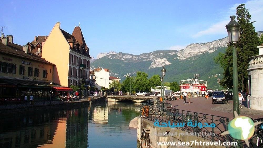 قرية آنسي في فرنسا
