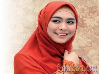 Artis Cantik Indonesia Berhijab