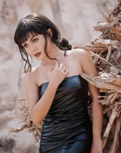 foto dan gosip artis cantik selebritis foto lawas yuni shara